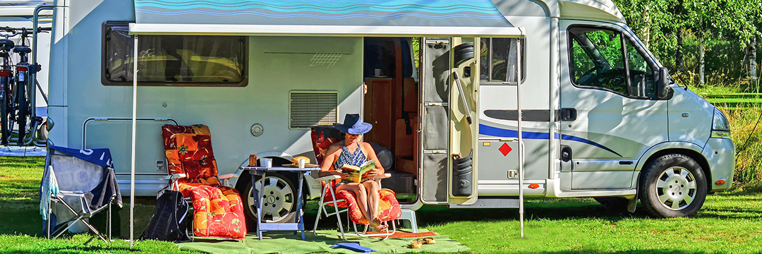 <div class='slides_user_inputted'> <a href='https://nysfair.ny.gov/your-visit/plan-your-trip/daily-rv-camping/'>  <h2 class='hero_title'> Buy Your 2018 Daily <br>RV Camping Permits</h2>  <h4 class='hero_sub_title'>ON SALE NOW!</h4>  <p class='hero_link'>LEARN MORE HERE</p>  </a></div>